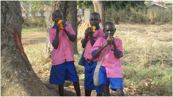 acholi children eating